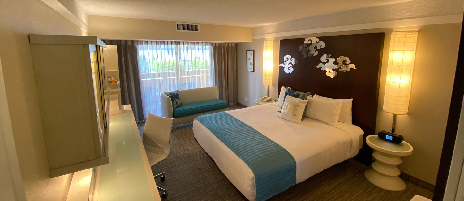 DISCOVER LUXURIOUS NEWLY REMODELED GUEST ROOMS,  AND MODERN AMENITIES IN THE HEART OF ORANGE COUNTY